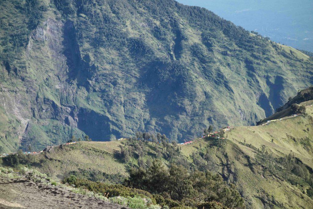https://www.rinjanisenarutrekking.com/wp-content/uploads/2018/05/Mount-Rinjani-Trekking-on-Galery-11-1024x683.jpg