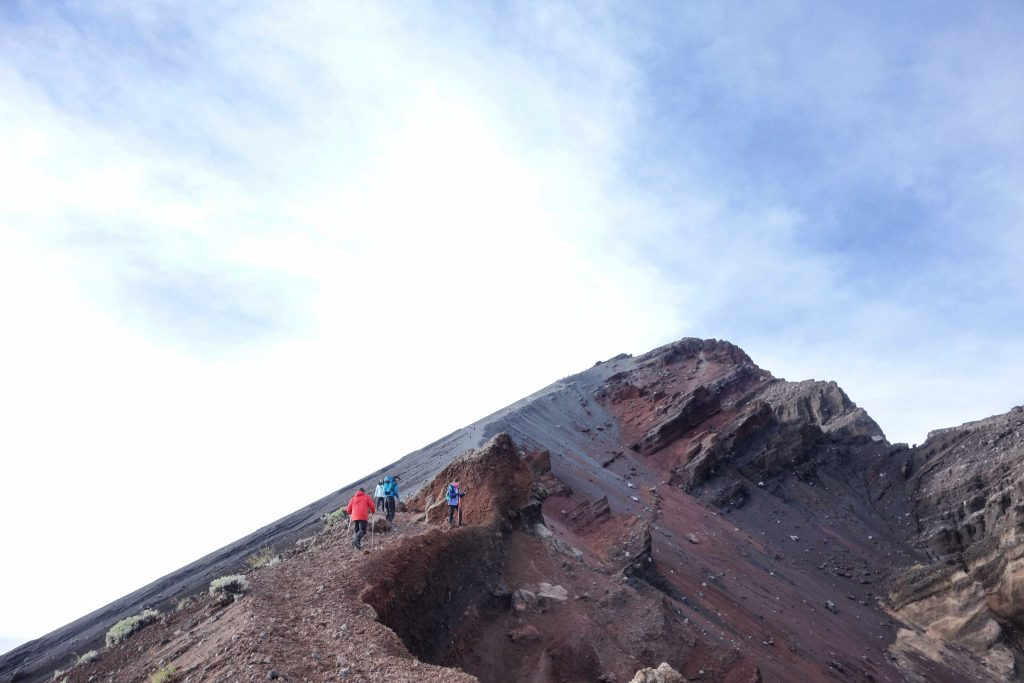 https://www.rinjanisenarutrekking.com/wp-content/uploads/2018/05/Mount-Rinjani-Trekking-on-Galery-19-1024x683.jpg