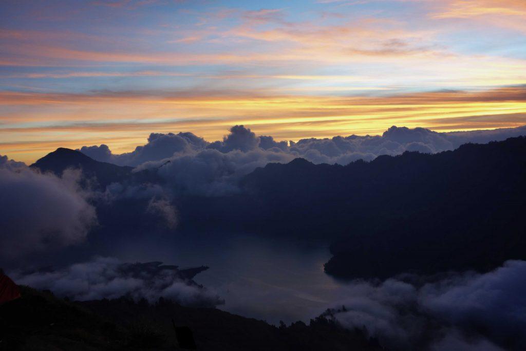 https://www.rinjanisenarutrekking.com/wp-content/uploads/2018/05/Mount-Rinjani-Trekking-on-Galery-28-1024x683.jpg