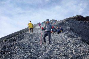 https://www.rinjanisenarutrekking.com/wp-content/uploads/2018/05/Mount-Rinjani-Trekking-on-Galery-29-300x200.jpg
