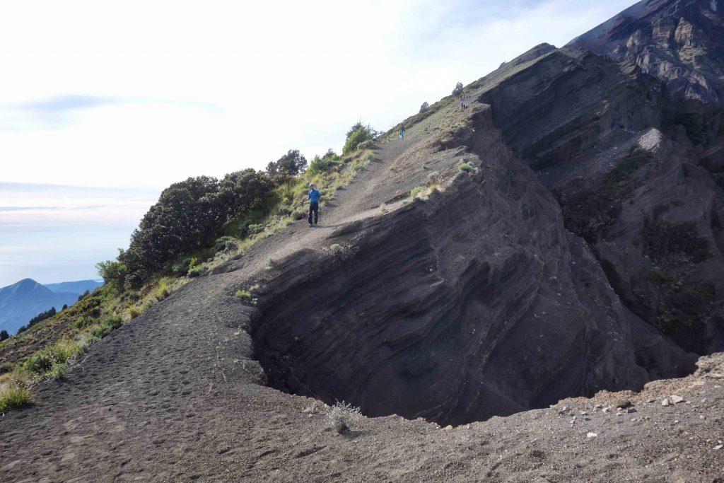 https://www.rinjanisenarutrekking.com/wp-content/uploads/2018/05/Mount-Rinjani-Trekking-on-Galery-4-1024x683.jpg