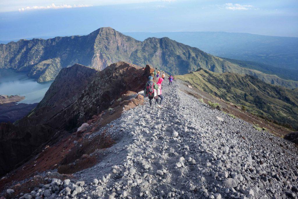 https://www.rinjanisenarutrekking.com/wp-content/uploads/2018/05/Mount-Rinjani-Trekking-on-Galery-42-1024x683.jpg