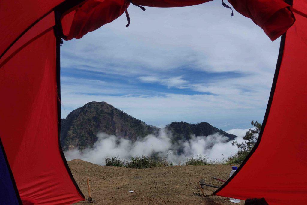 https://www.rinjanisenarutrekking.com/wp-content/uploads/2018/05/Mount-Rinjani-Trekking-on-Galery-45-1024x683.jpg