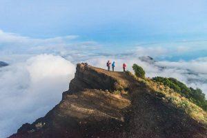 Mount rinjani trekking summit